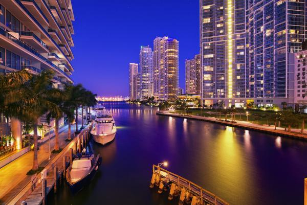 Luxury Limo Service Miami